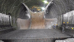 zarbalizadeh-shallow-tunnel-construction-underneath-the-operating-railways